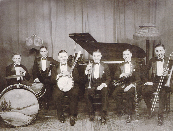 The Bud Lincoln Orchestra -1921 (photo 2)